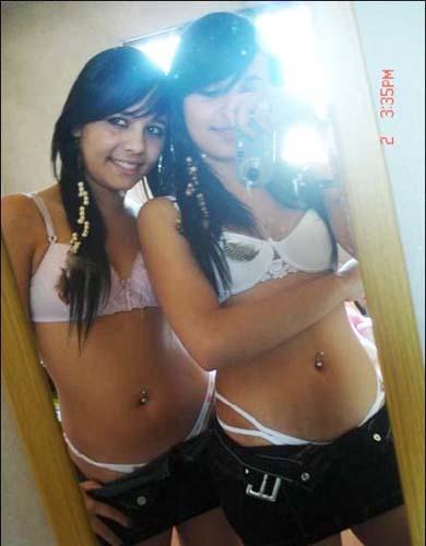 性感双胞胎美女写真