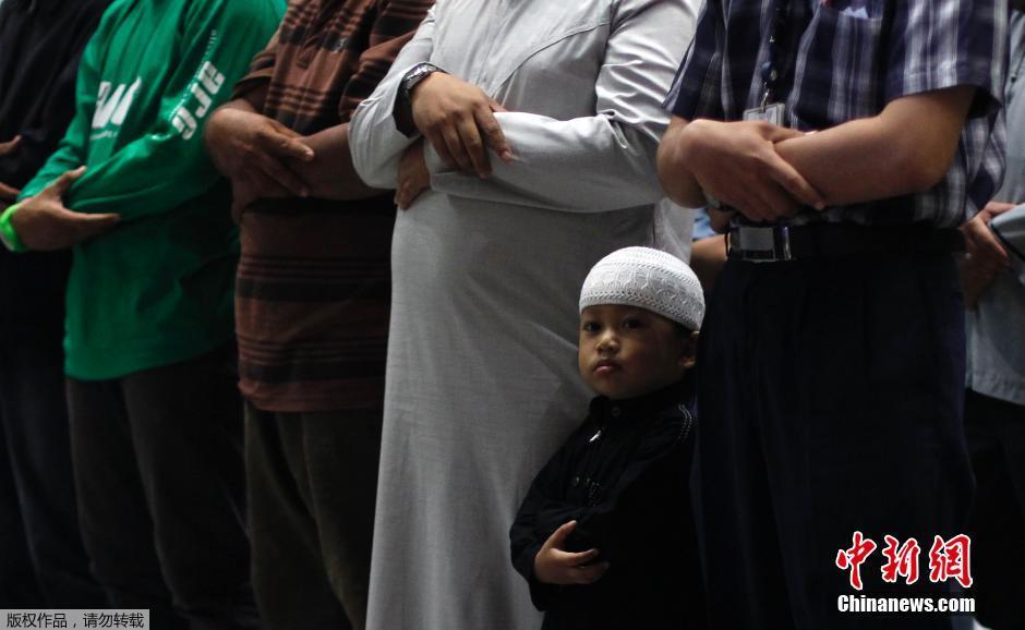 马来西亚穆斯林为失联航班祈福