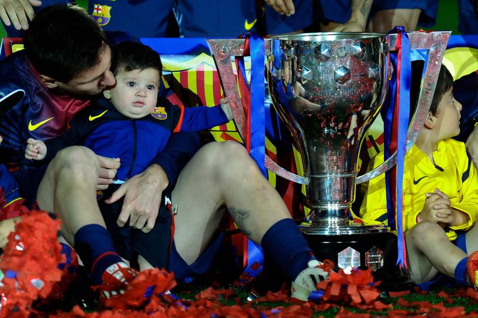 梅西/梅西与儿子蒂亚戈庆祝