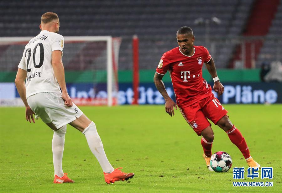 (体育)(6)足球——德国杯:拜仁晋级第二轮